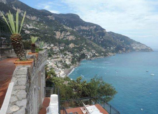Le Agavi Hotel : The Amalfi coast lies before you