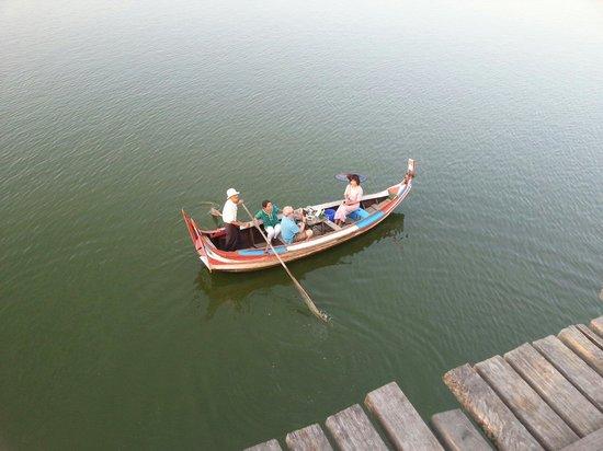 Pont d'U Bein : Boat ride