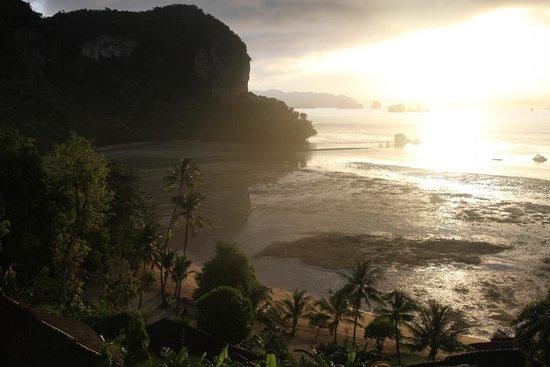Paradise @ Koh Yao : Sunrise from Pool Top Villa