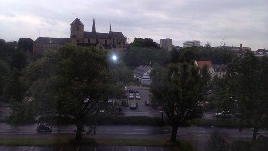 Leonardo Hotel Mönchengladbach: View of the church  from room