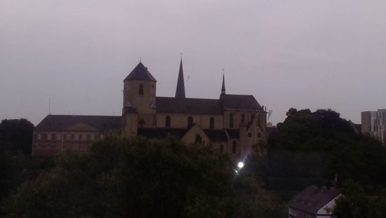 Leonardo Hotel Moenchengladbach: View of church-2