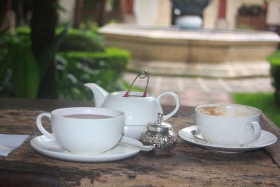 Palacio de Dona Leonor: Afternoon tea on a cloudy day
