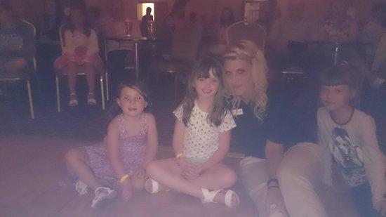 Atlantica Oasis Hotel: Isobella ava and crazy Katie. xx