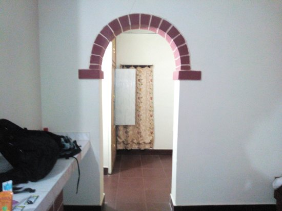 Mogli Resort: Room as you enter it