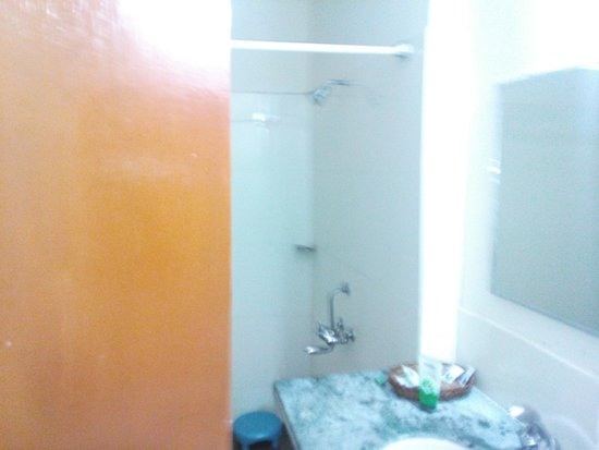 Mogli Resort: Bathroom