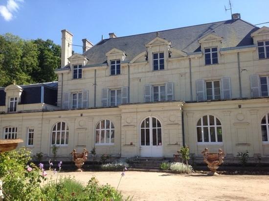 Chateau de la Chausee : front of Chateau