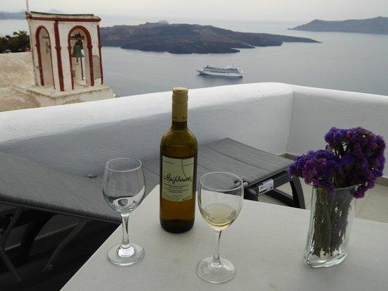 Villa Renos: Drinks...love the church ....