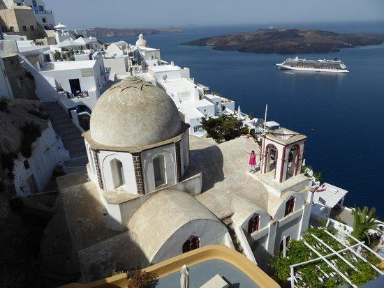Villa Renos : That church! I had to climb it!!!!