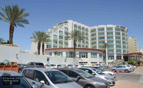 Dan Panorama Eilat: Hotel as seen from outside car park