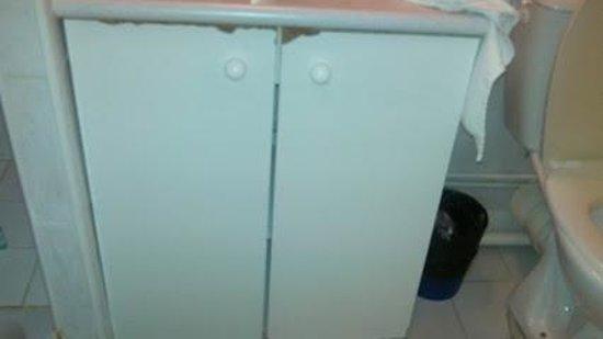 Les Gens de Mer Hotel : meuble sous vasque