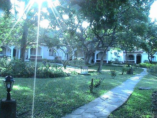 Diani Sea Lodge : zona bungalow