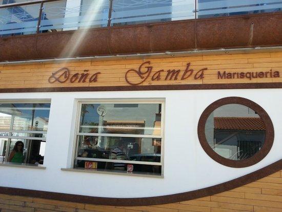 Doña Gamba : Entrada