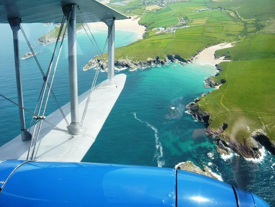 Classic Air Force: An awesome flight over some stunning beaches!