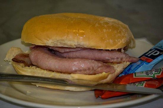Hatties Restaurant : £1.99 Bacon butty before 11.30 Mon/Sun