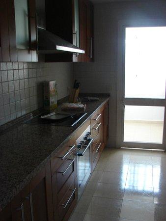 Colina del Paraiso by CheckIN: Kitchen
