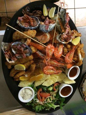 Villa Tango: Seafood Boat