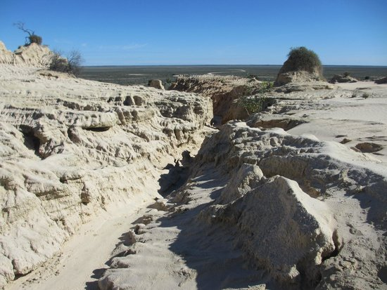 Murraytrek 4WD Outback Adventure Day Tours: Walls of China