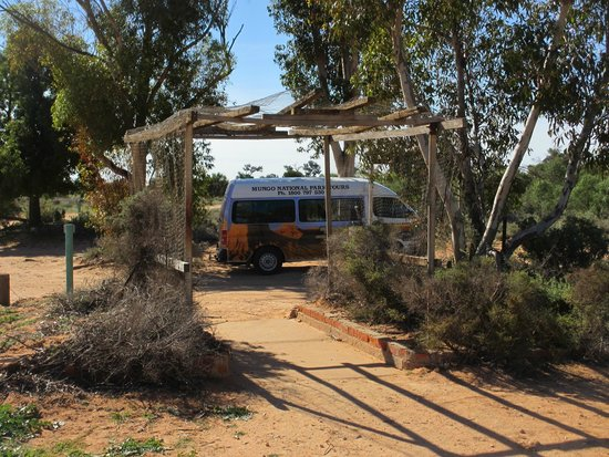 Murraytrek 4WD Outback Adventure Day Tours: Trevor's airconditioned vehicle