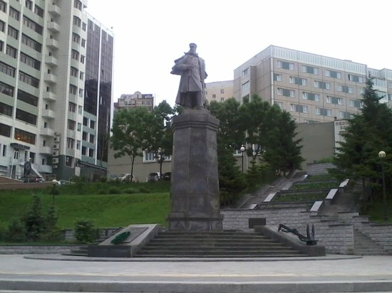 Stepan Osipovich Makarov Monument