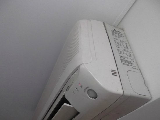 Hotel Northbridge : Dirty Aircon