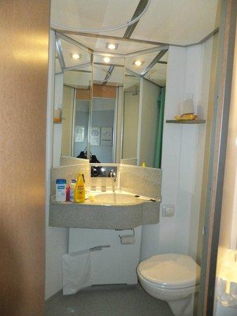 Cabinn City Hotel : Bathroom