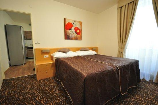 Salvator Superior Apartments: Bedroom