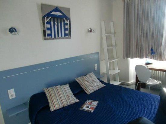 Hotel de la Baie : Agradable habitación