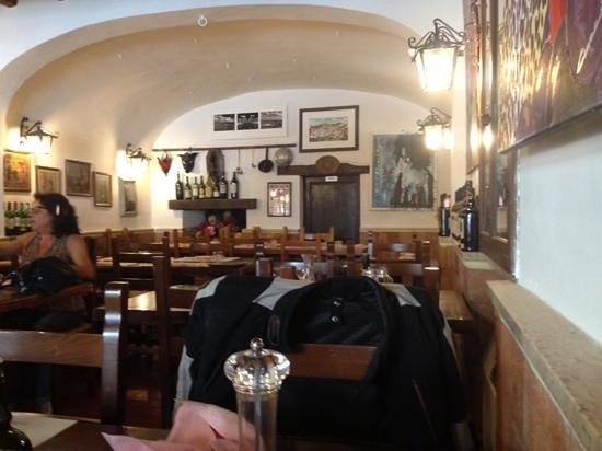 La Bottega dei Portici : inside view