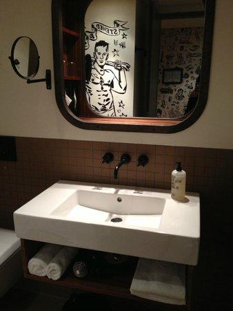 25hours Hotel HafenCity: Bagno