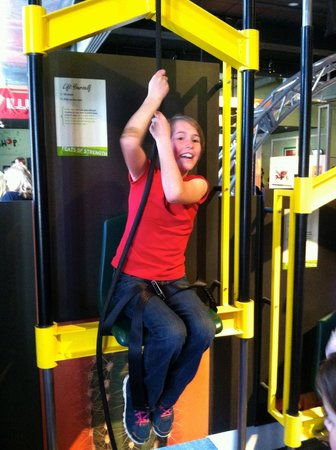 The Franklin Institute : can you lift yourself?