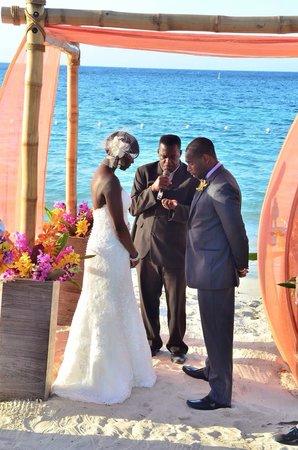 Beaches Ocho Rios Resort & Golf Club: Our perfect wedding moon at Beaches