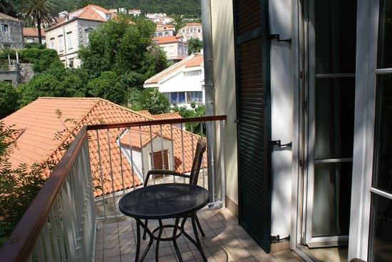Hilton Imperial Dubrovnik: balcony outside room