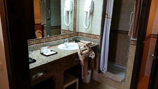 Clubhotel Riu Karamboa : Bathroom