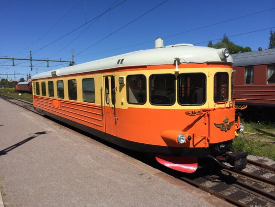 The Swedish Railway Museum : What a cute train... If there is such a thing :-)