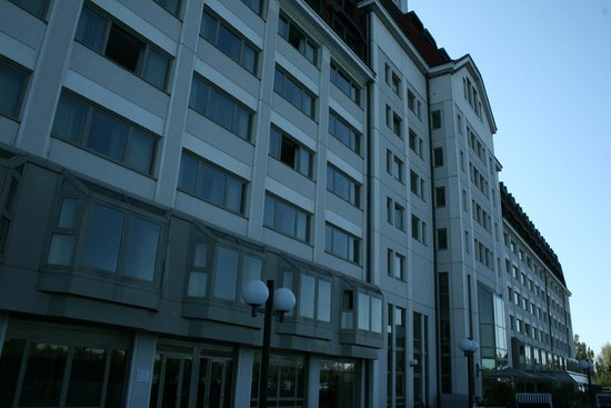 Hilton Vienna Danube Waterfront: esterno albergo
