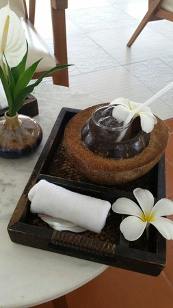 Centara Villas Samui: Welcome drink and cold towel. Much needed after a long flight!