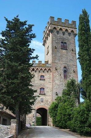 Tuscany Vespa Tours: Castello Poppiano