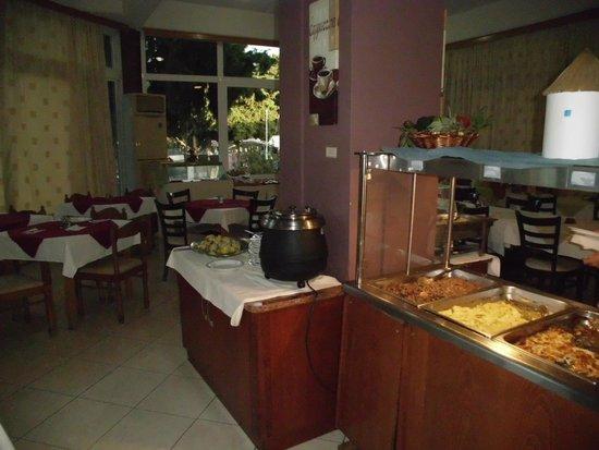 Princess Flora Hotel : Buffet