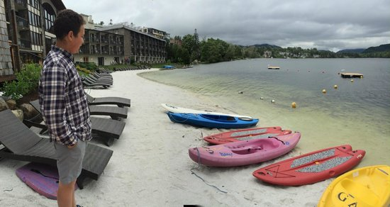 Golden Arrow Lakeside Resort : To Kayak or not, weather not cooperating - we did anyway