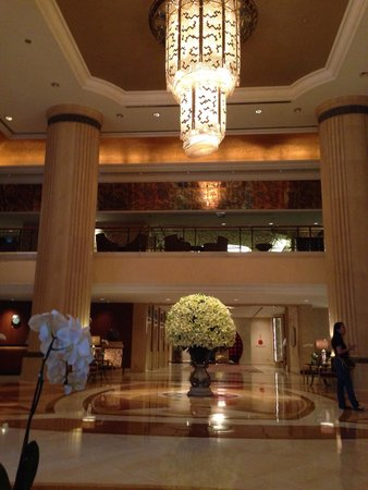 Shangri-La Hotel, Singapore: The lobby!