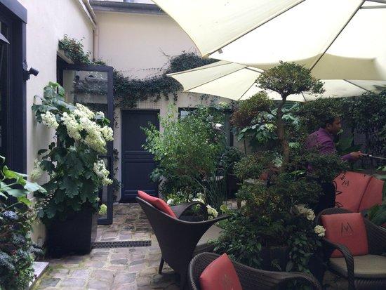 Villa Madame : Garden in the back