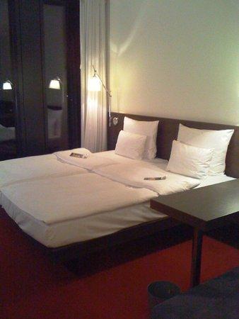 Empire Riverside Hotel: Letto