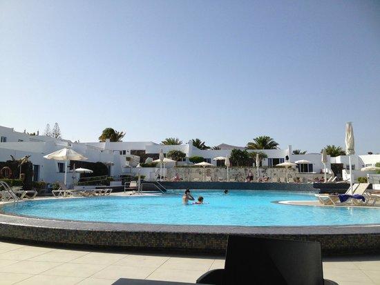 Nautilus Lanzarote: Piscina di giorno