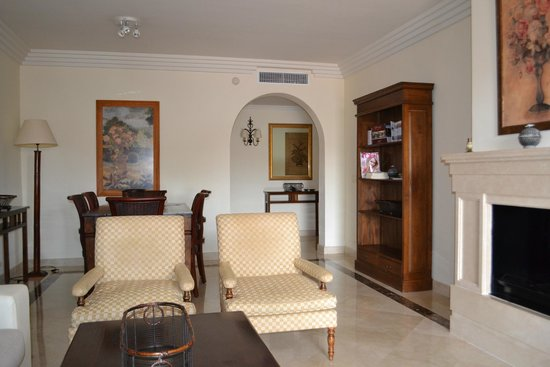 Vasari Vacation Resort: Living room