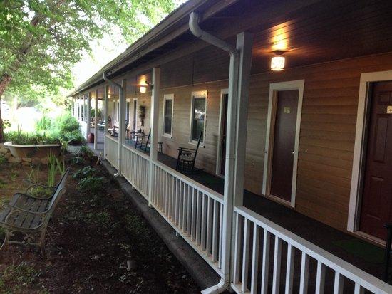 Grandview Lodge: Porch
