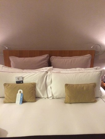 Colonnade Hotel: King-Size Bett
