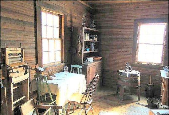 Poplar Grove Plantation: tenant house