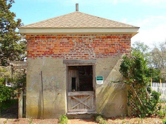 Poplar Grove Plantation: smokehouse