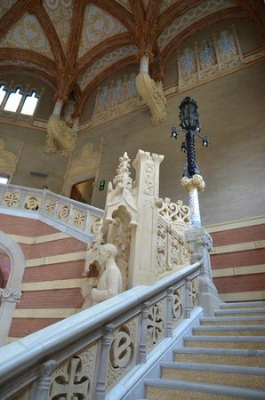 Recinto Modernista de Sant Pau (Recinte Modernista de Sant Pau): Staircase