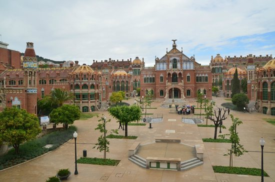 Recinte Modernista de Sant Pau: View of the garden